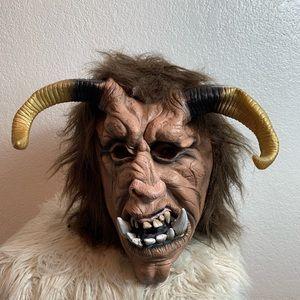 Horror mask devil